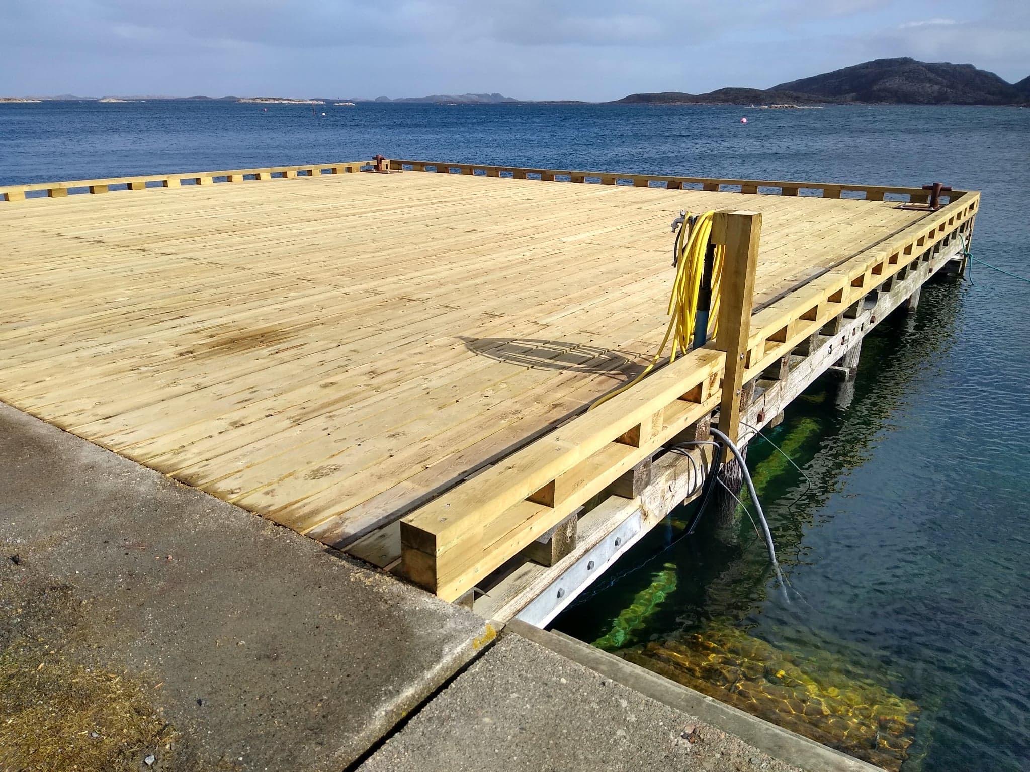 Renovering kai på Valøya